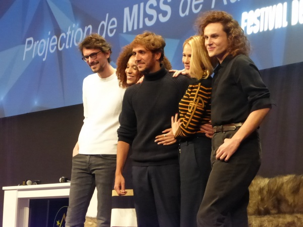 Photo Miss 1 Festival Alpe d'Huez 2020 équipe du film (c) Olivier Bachelard - Ruben Alves, Stefi Selma, Alexandre Wetter, Pascale Arbillot, Hugo Gélin